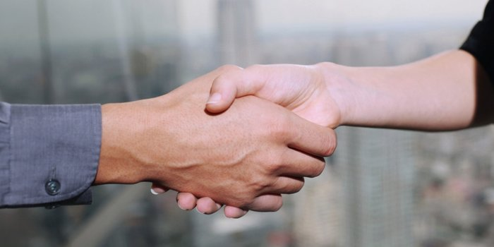 bartering-handshake